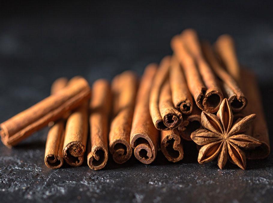 Royal Polak - Cinnamon Since 1854